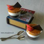 Cheesecake al bicchiere, albicocche e cioccolato